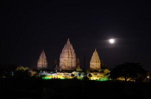プランバナン夜景1